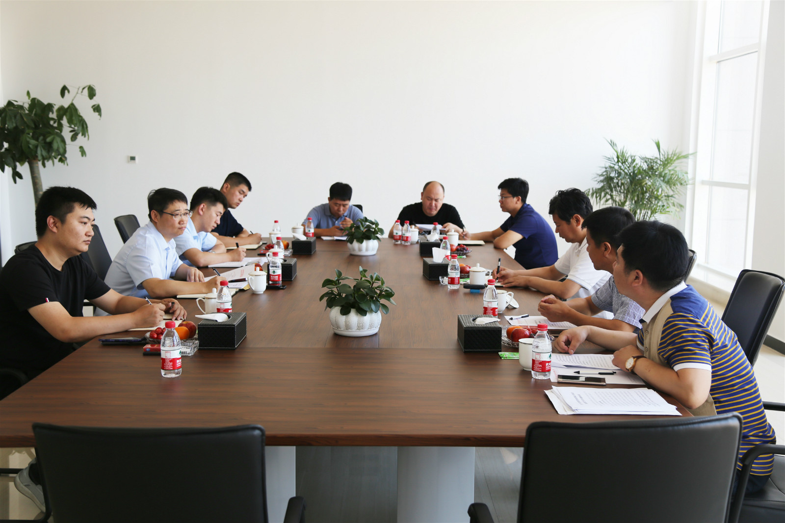 Liu donghai, deputy district chief of wuqing district, and his delegation visited the company for investigation